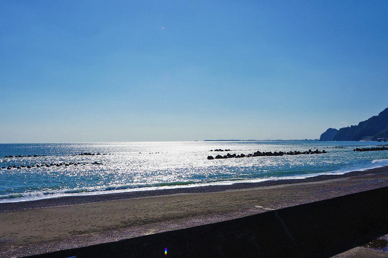 砂浜が出現した用宗海岸