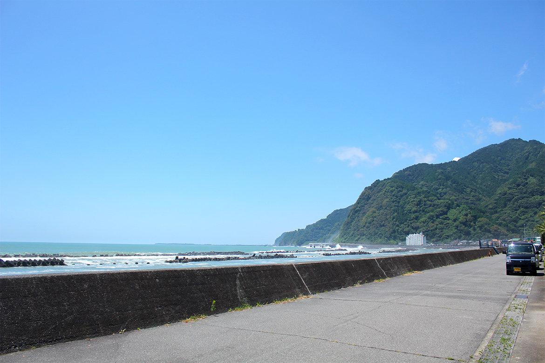 7月22日から用宗海岸海水浴場海開き